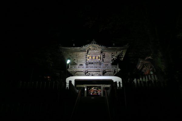 布施弁天の夜景_門