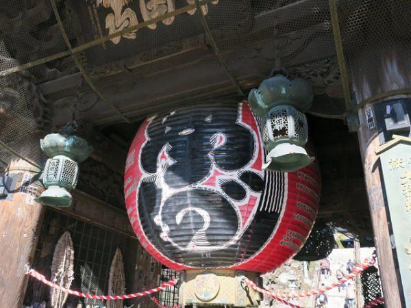 成田山新勝寺 仁王門の提灯